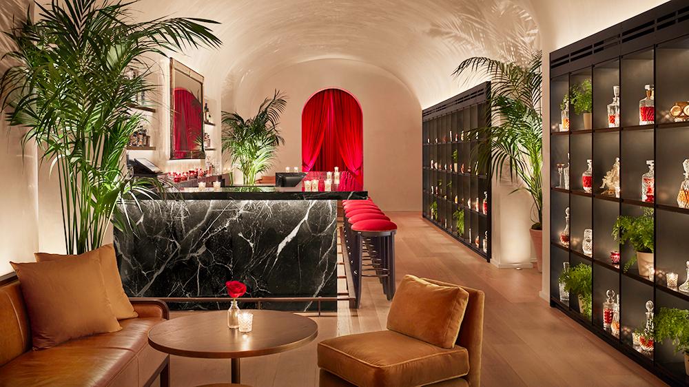 marble bar restaurant New York city hotel