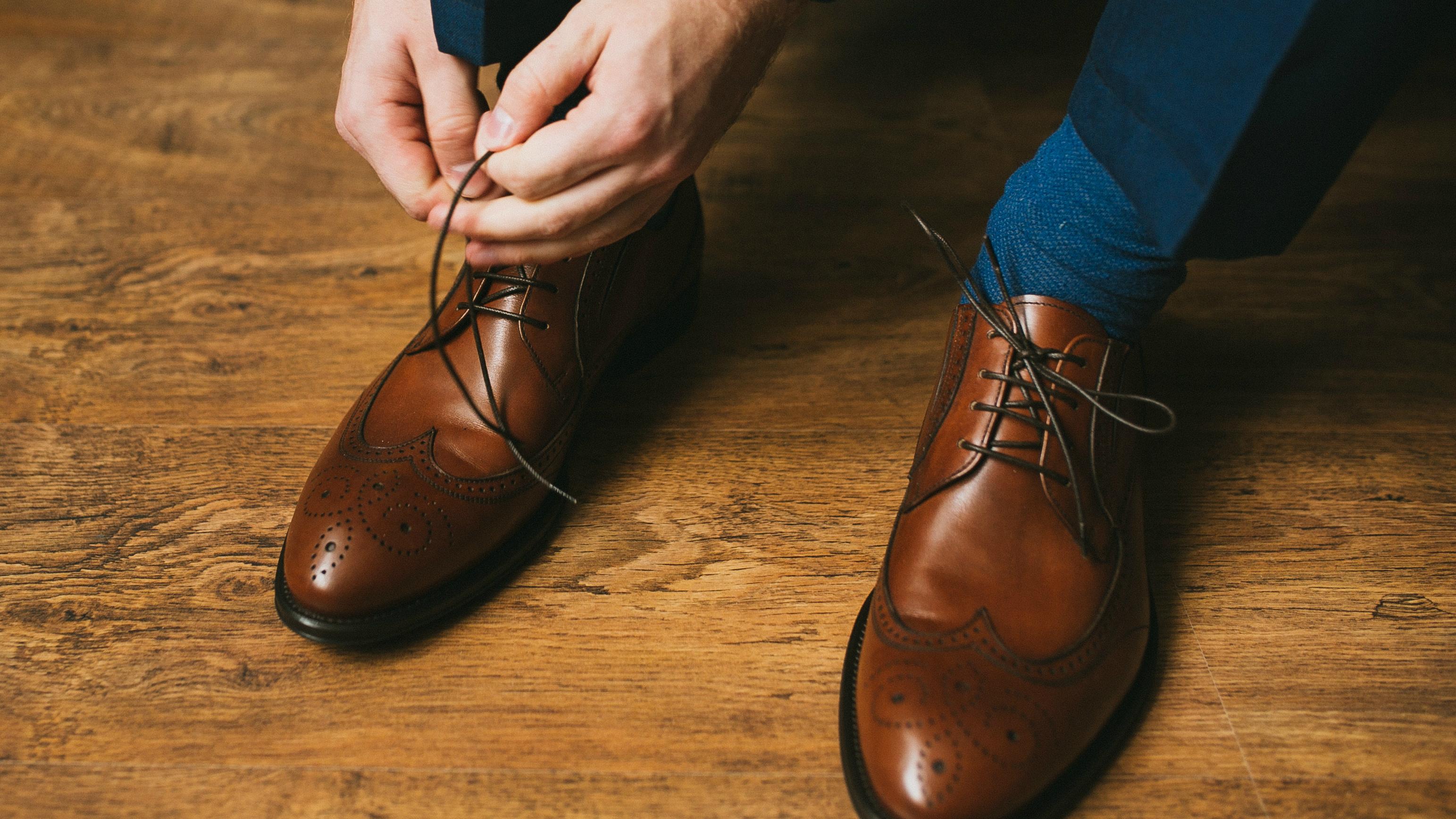 Brown Shoes, Navy Suit, Faux Paus? 7