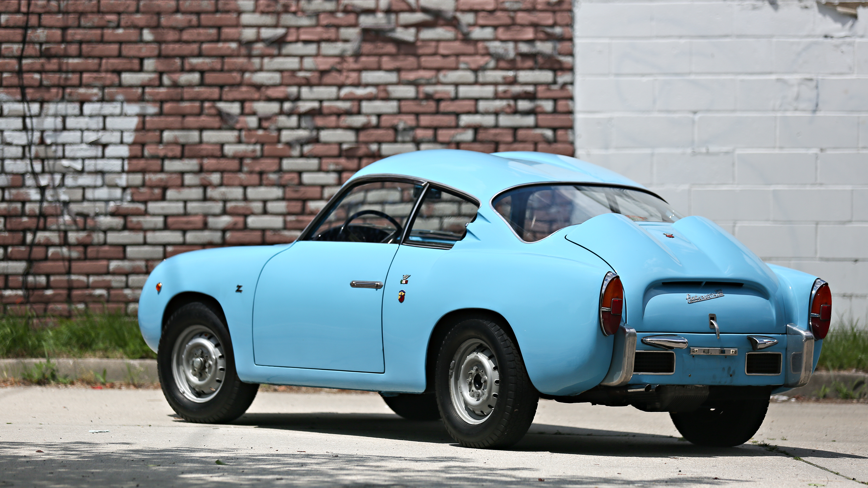 The Fiat-Abarth 750 GT was a popular sight on the track.