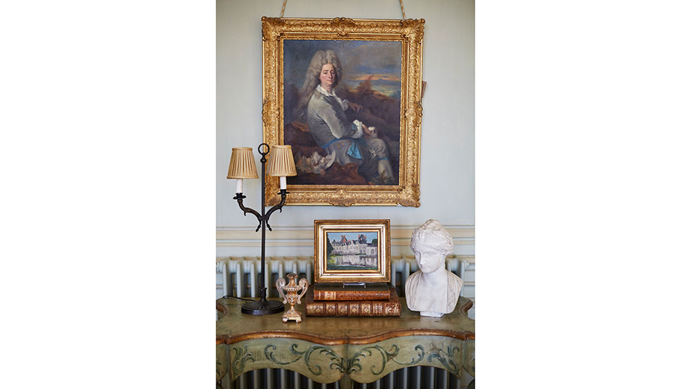 """""""I want guests to feel like a nobleman in a nobleman's home,"""" said Holthus."""