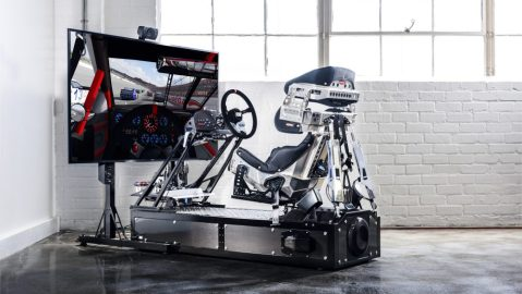 Pro racers are using the Motion Pro II VR simulator to train