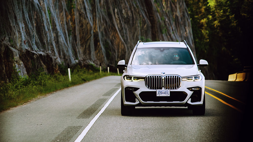 Driving the new BMW X7 on the Sea to Sky Highway