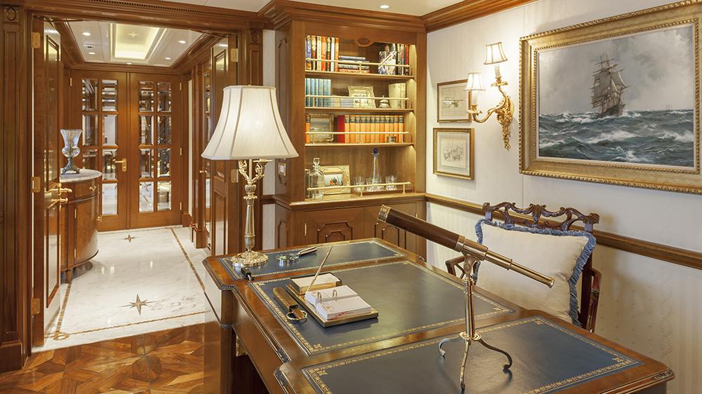 Lady-Kathryn-V_owners-office-Klaus-Jordan-1205-325