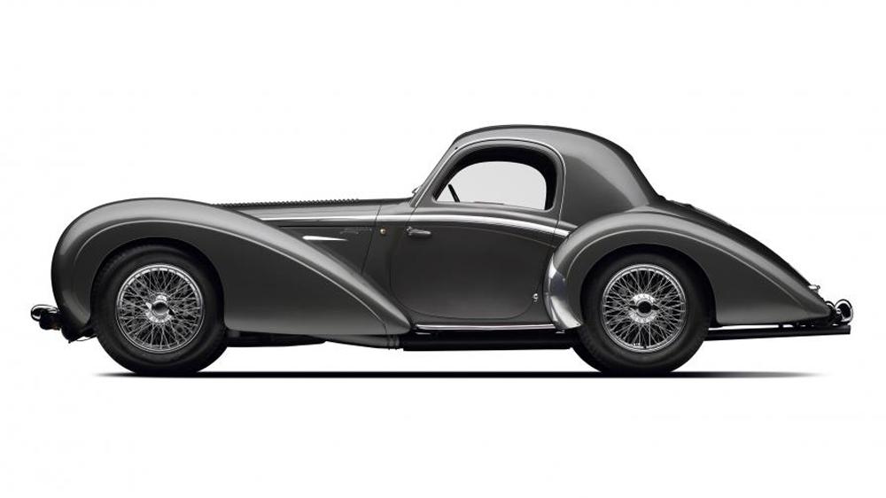 The 1937 Delahaye Type 145.