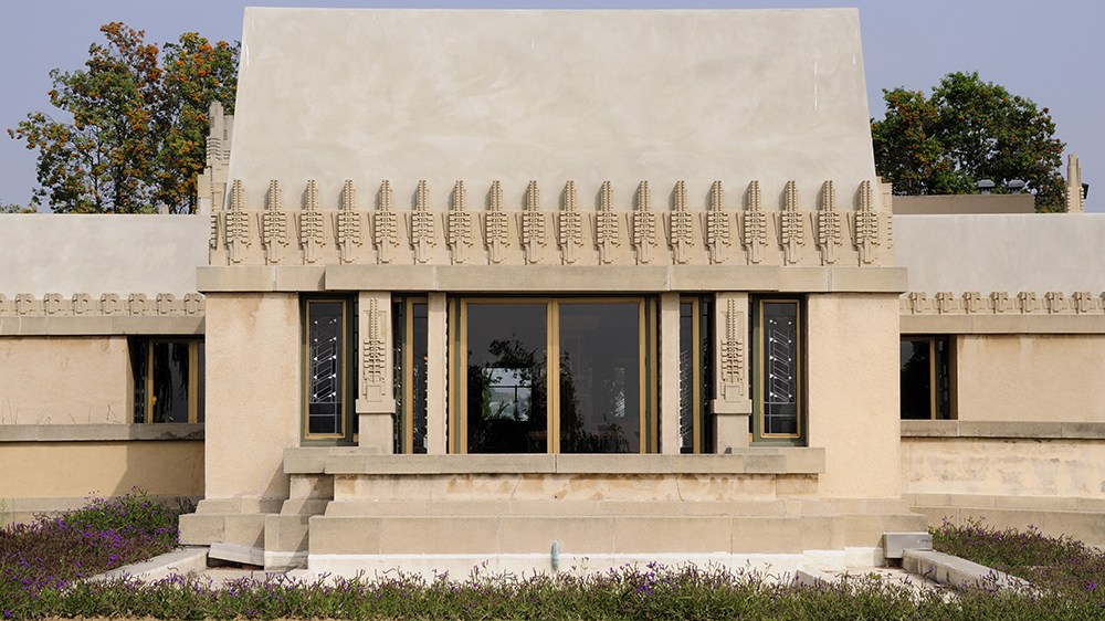 Hollyhock House exterior Los Angeles.