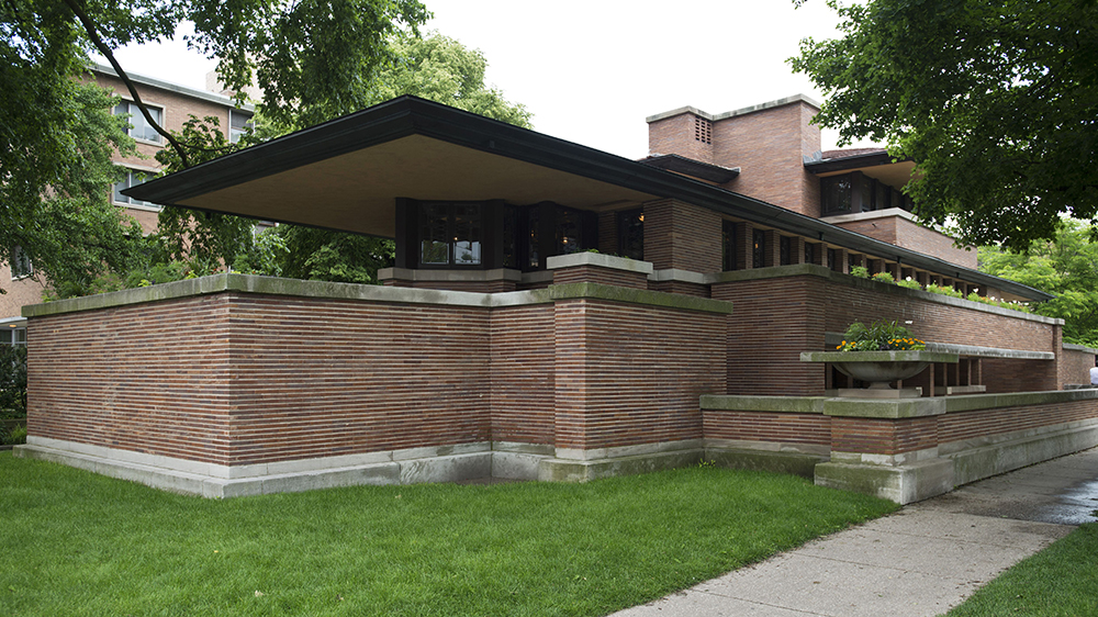 Robie House, Chicago, United States. Architect: Frank Lloyd Wright, 1910. Lateral Exterior View. Robie House, Chicago, United States. Architect: Frank Lloyd Wright, 1910.