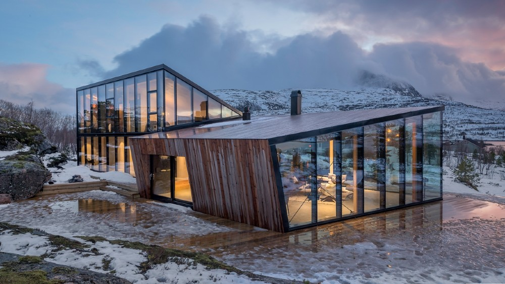 The Efjord retreat cabin in Norway