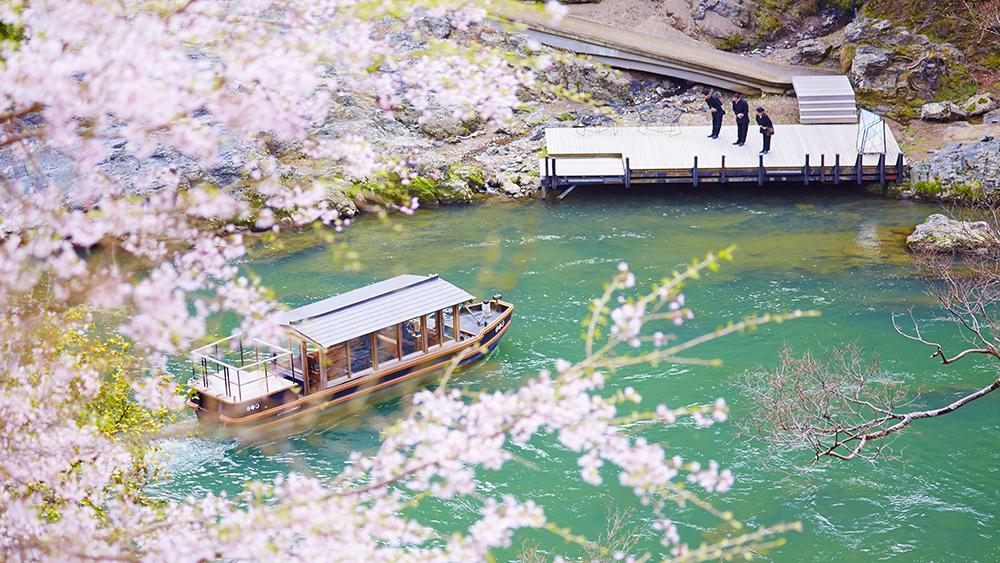 Arrival by boat at Hoshinoya Kyoto