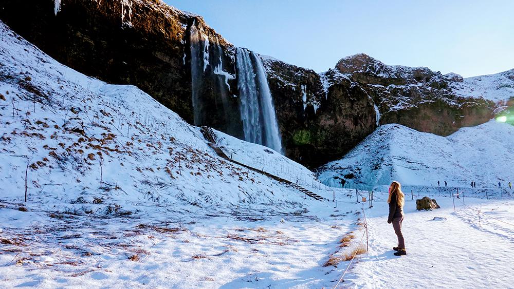 Essentialist Travel Club Iceland