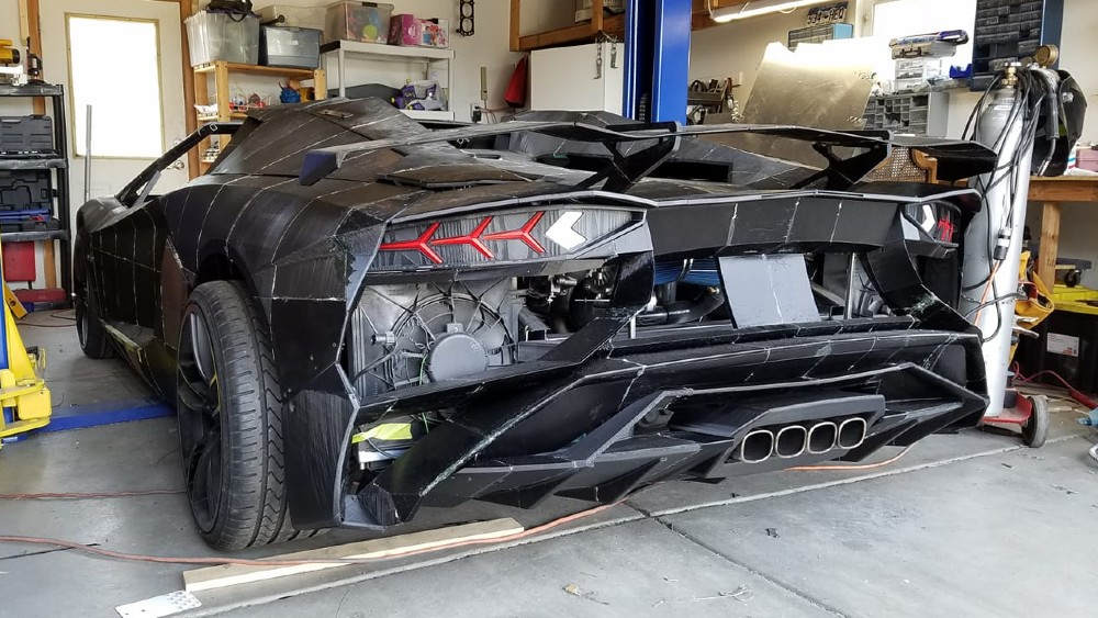 Sterling Backus and his son's 3D-printed Lamborghini Aventador