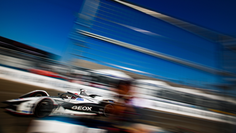 Geox Dragon Racing competing in the 2019 New York City E-Prix.