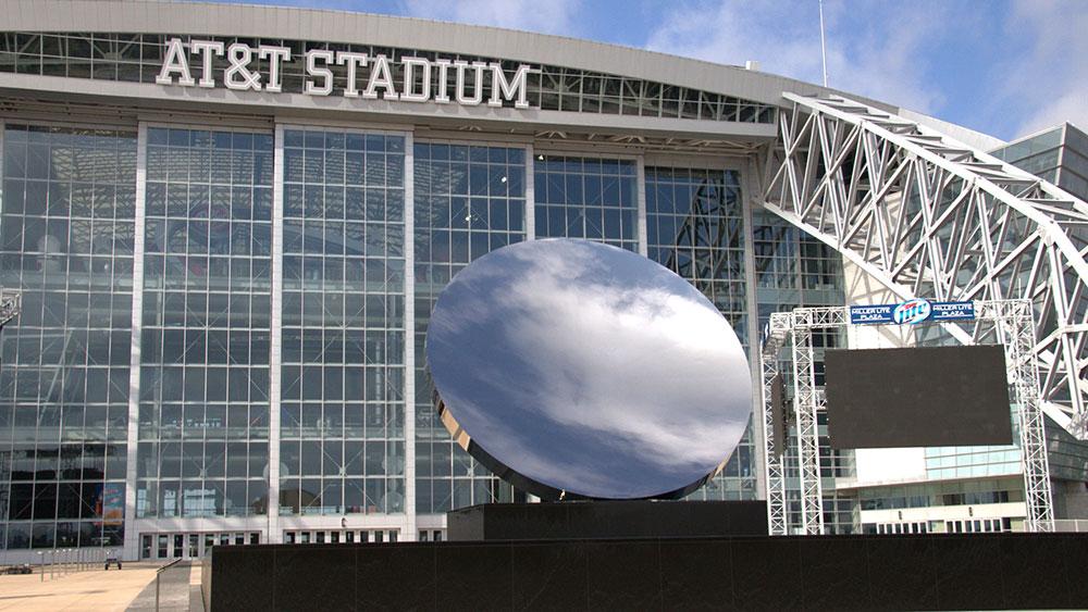 Anish Kapoor's Sky Mirror at the AT&T Stadium in Dallas