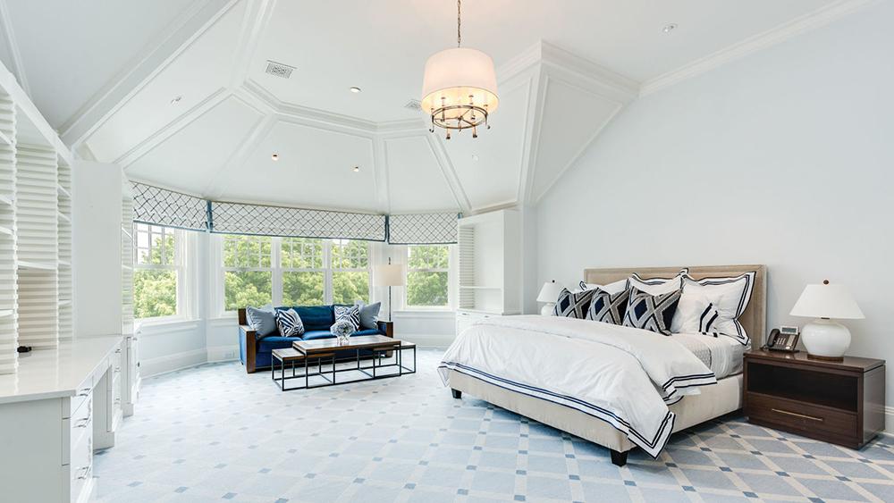 A bedroom at The Sandcastle in Bridgehampton