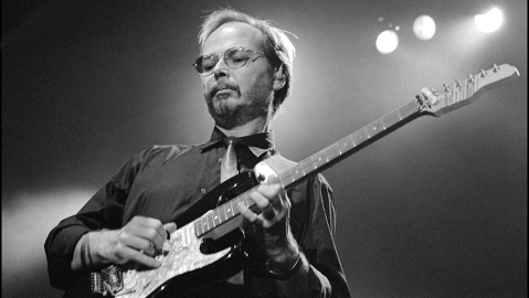 Walter Becker of Steely Dan performing at Madison Square Garden, New York on 18 August 1993.