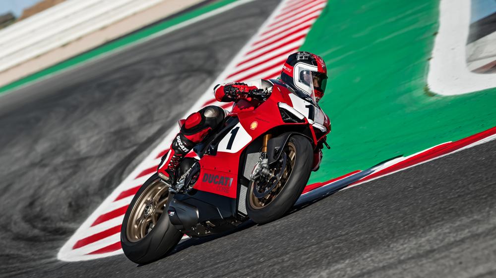 Ducati's Panigale V4 25° Anniversario 916.