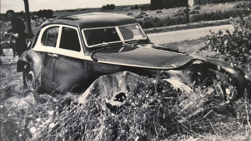The 1939 Bentley Corniche after one of its accidents