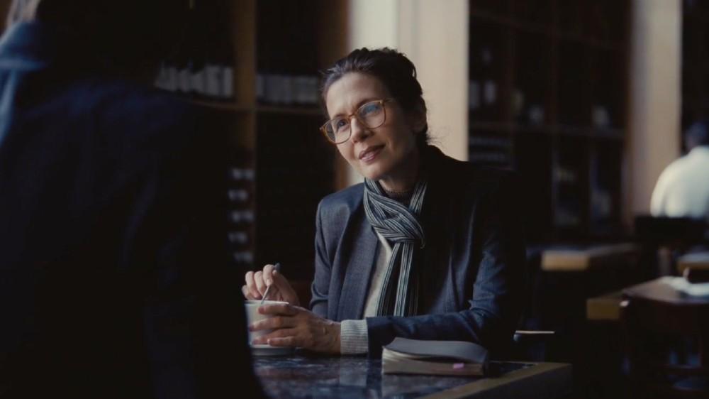 Succession, Season 2, Episode 3: Jessica Hecht as writer Naomi Pierce