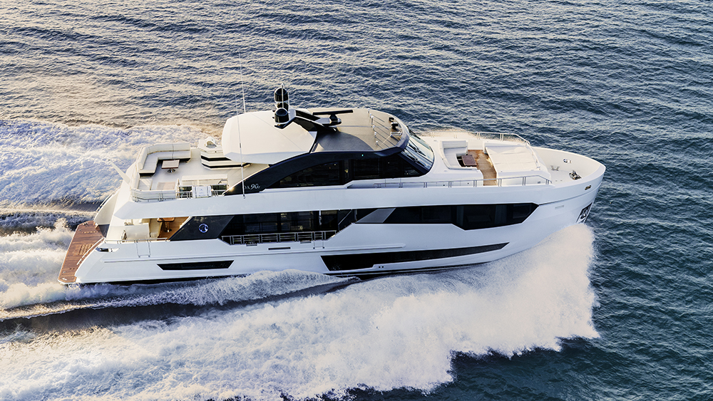 Ocean Alexander 90R superyacht