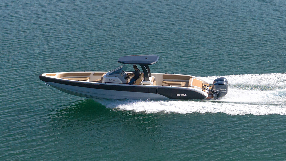 Onda 331 Gran Turismo custom tender