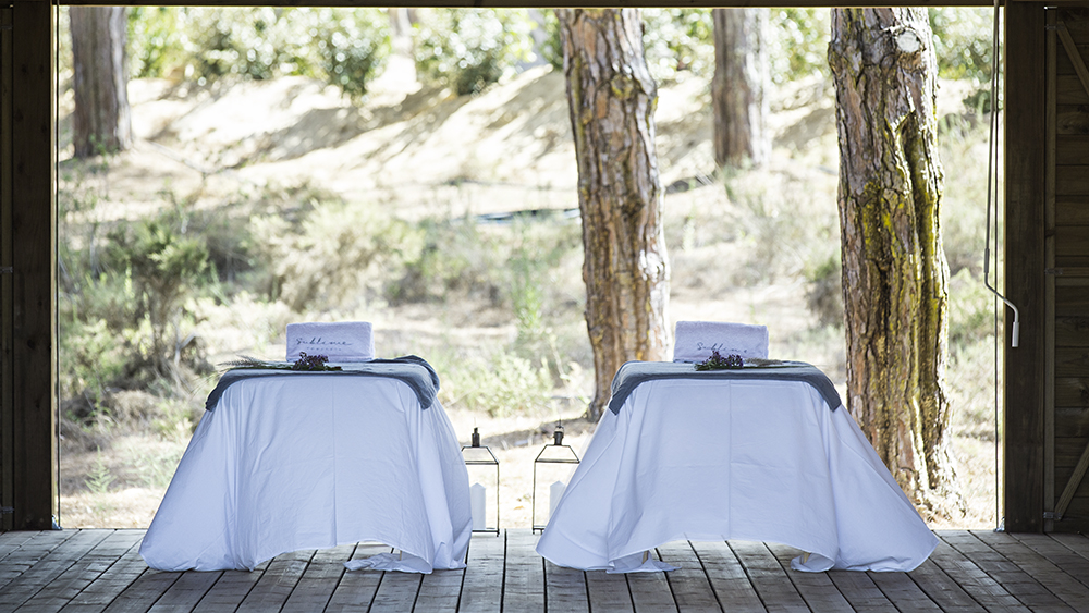 Outdoor massage tables at Sublime Comporta
