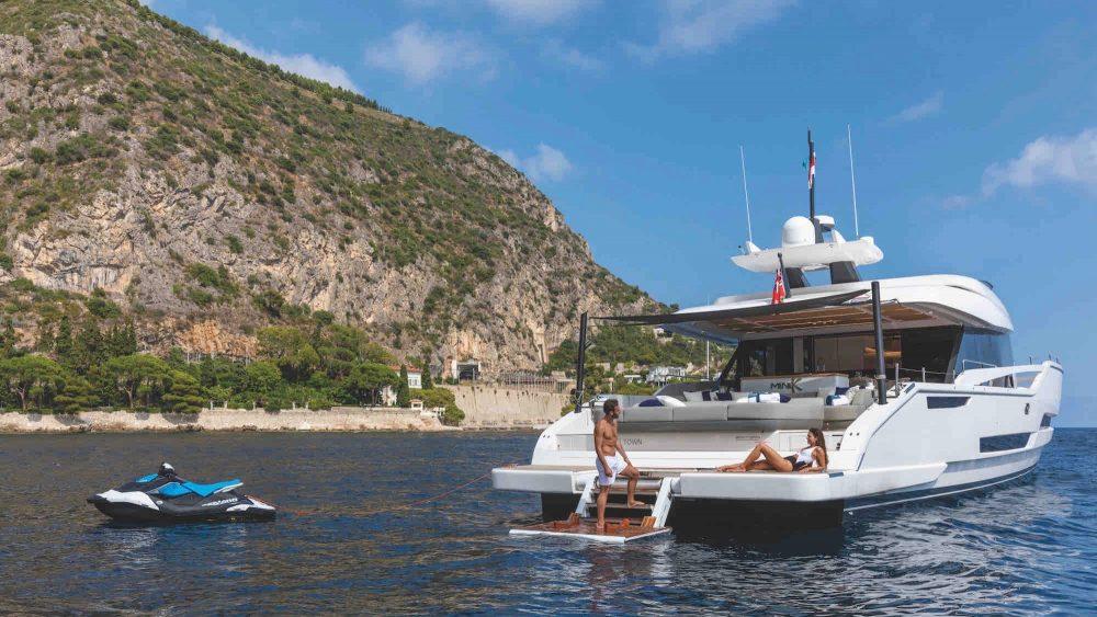 Extra 86 Fast Palumbo Superyachts Cannes Yachting Festival Italian shipyard