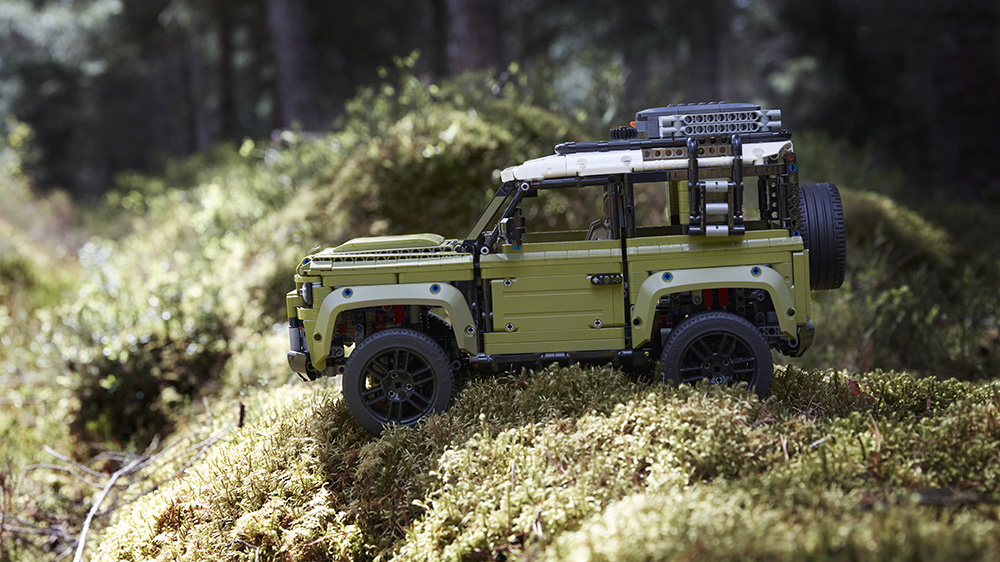 The Lego Technic Land Rover Defender