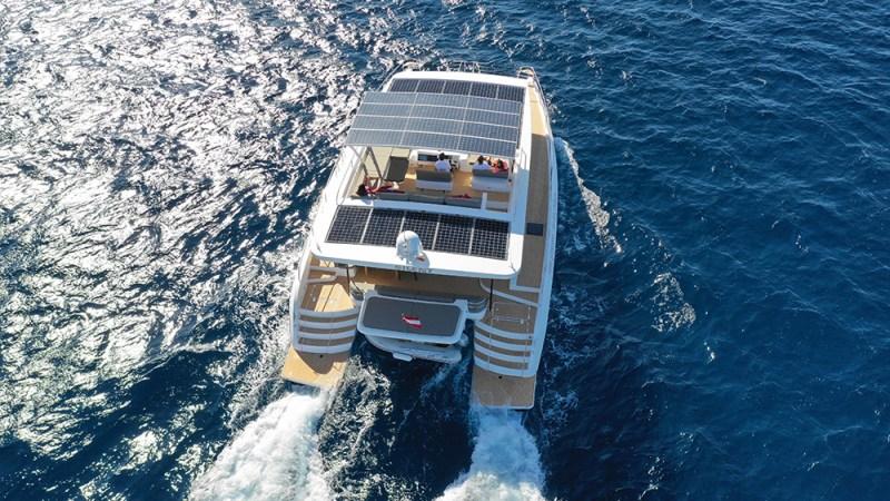 Silent-Yachts, Silent 55: 56-foot catamaran