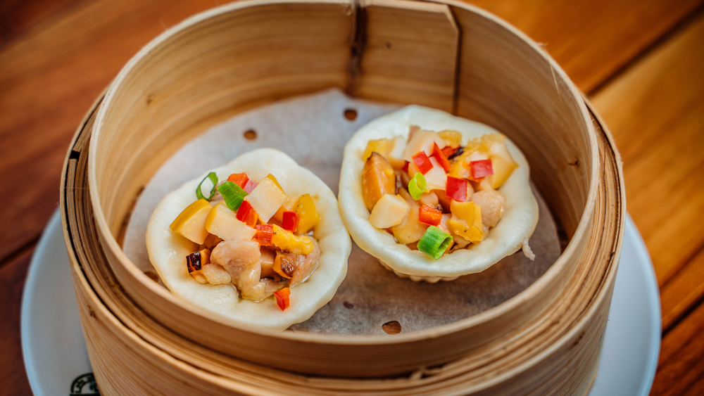 man tou cup abalone chicken