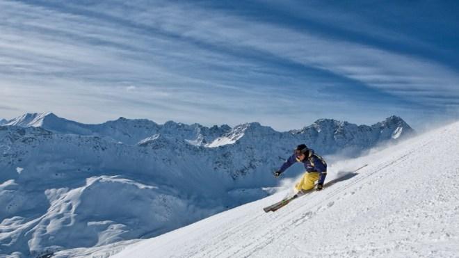 Skiing Tschuggen Grand