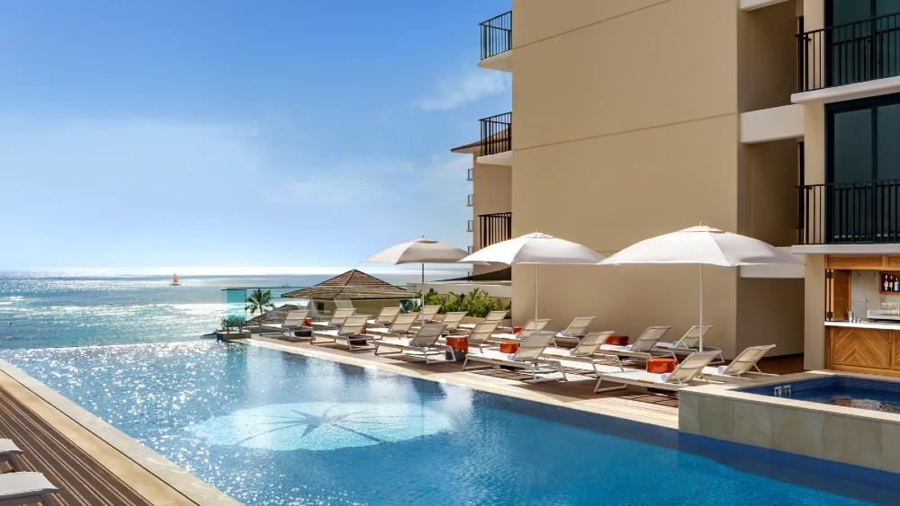 Halepuna Waikiki pool deck