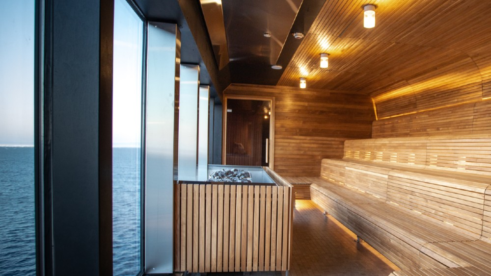 Hurtigruten MS Roald Amundsen sauna