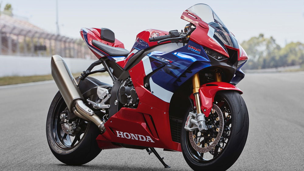 The 215 hp Honda CBR1000RR-R Fireblade SP.