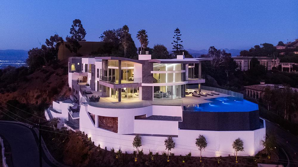Bowmont Drive hilltop in LA