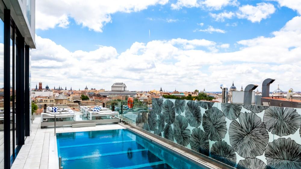 VP Plaza Espana Design Madrid Sky Bar Pool
