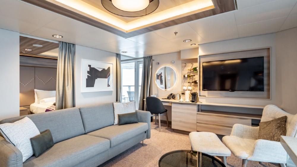 Hurtigruten MS Roald Amundsen suite