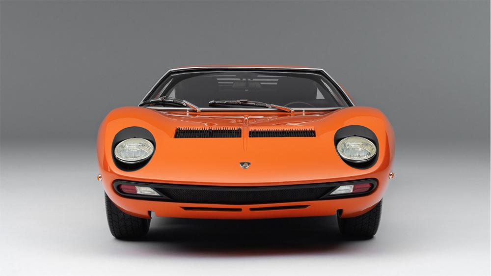 Amalgam Collection's 1:8 scale model of the 1971 Lamborghini Miura P400 SV