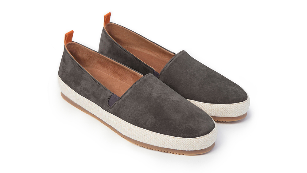 Robb Recommends: Mulo's stylish espadrilles make a stylish beach and vacation shoe