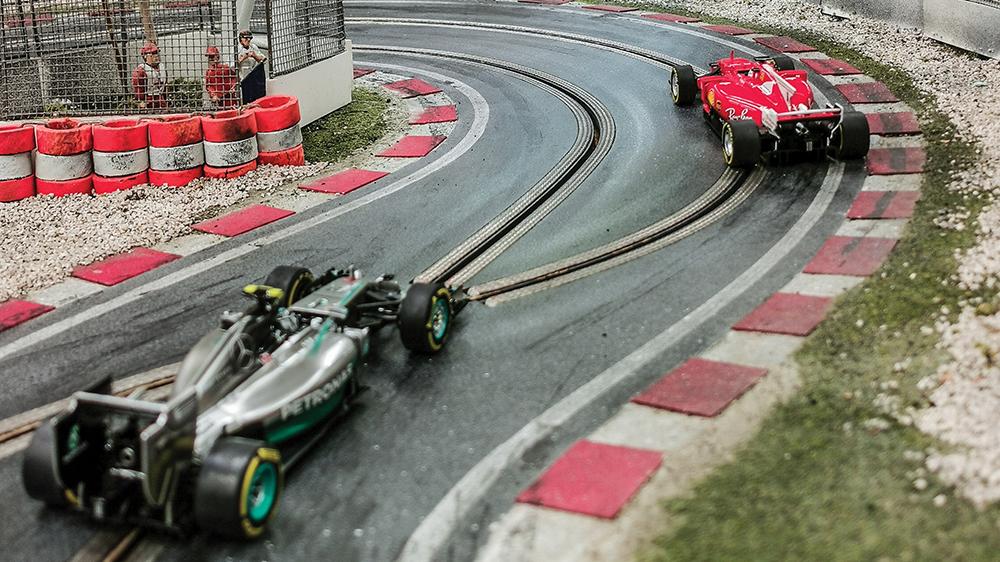Formula 1 Slot Car Racetrack