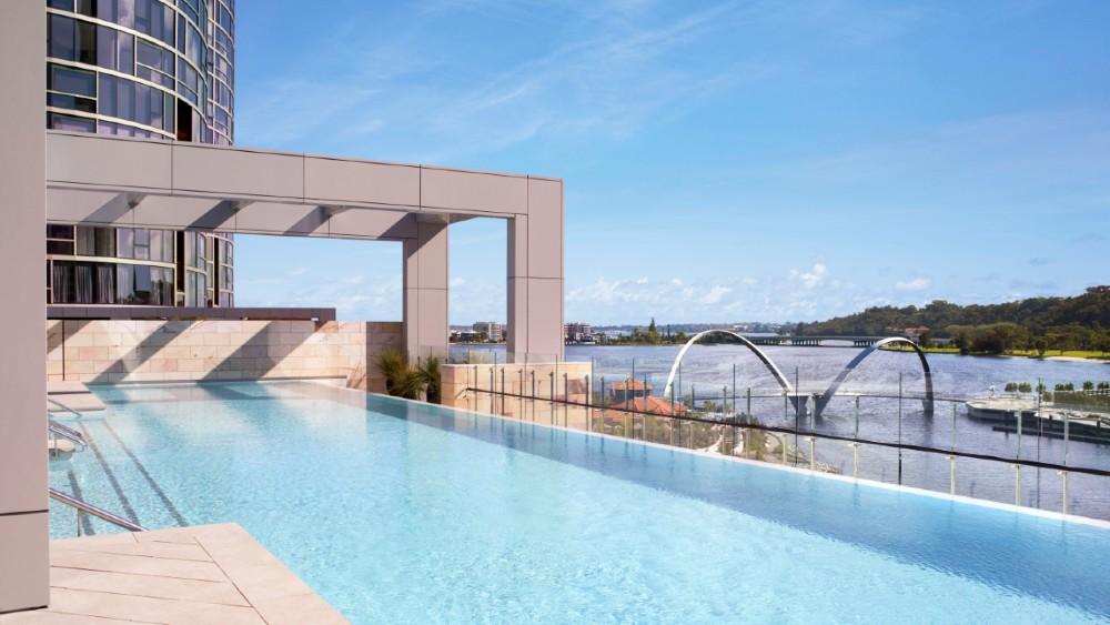 Infinity pool Ritz-Carlton Perth