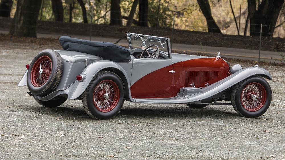A 1932 Alfa Romeo 8C 2300 Cabriolet Décapotable.