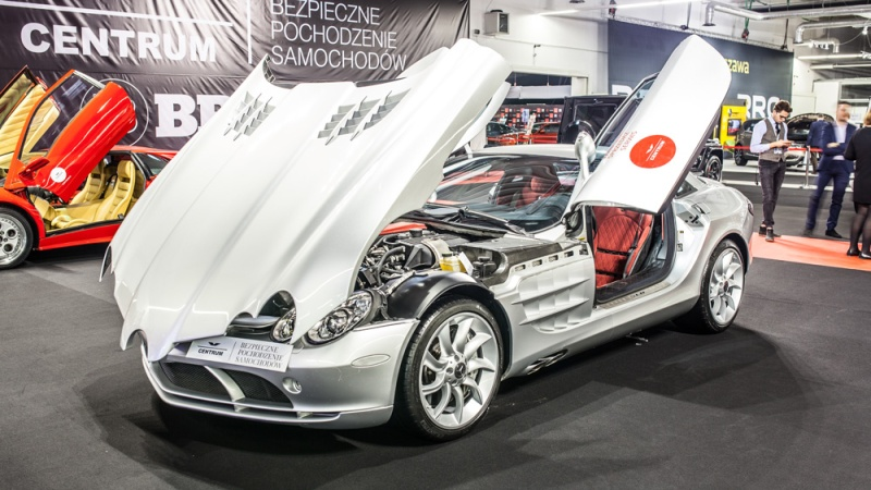A Mercedes-Benz SLR McLaren at the Warsaw Motor Show in 2017.