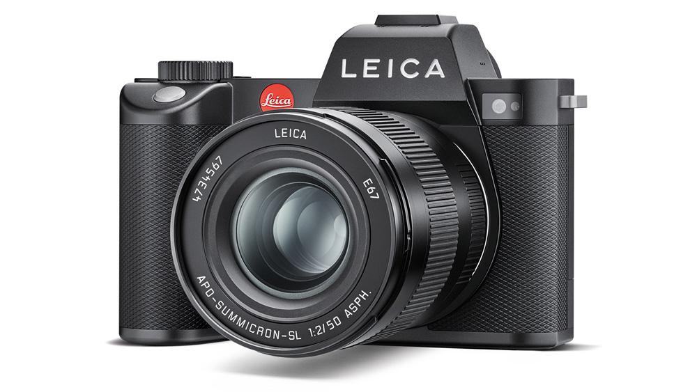 The Leica SL2.