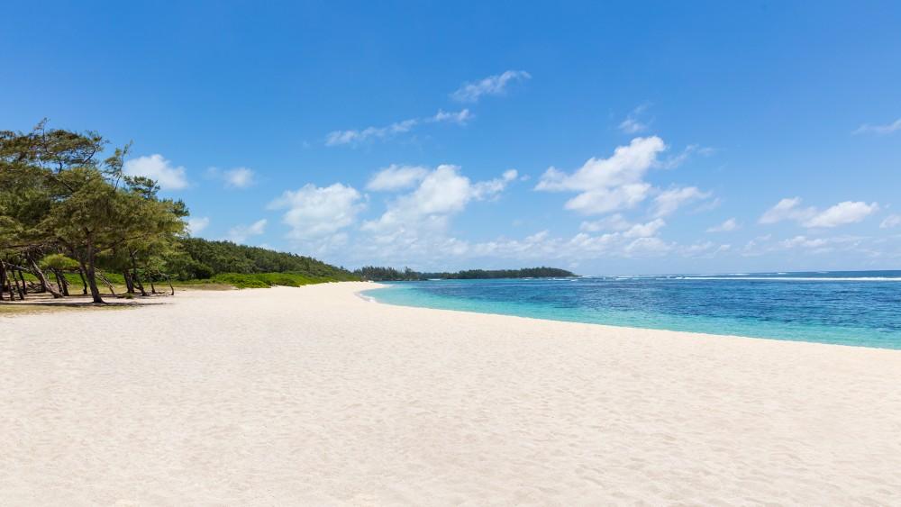 Anantara Iko Mauritius Resort beach