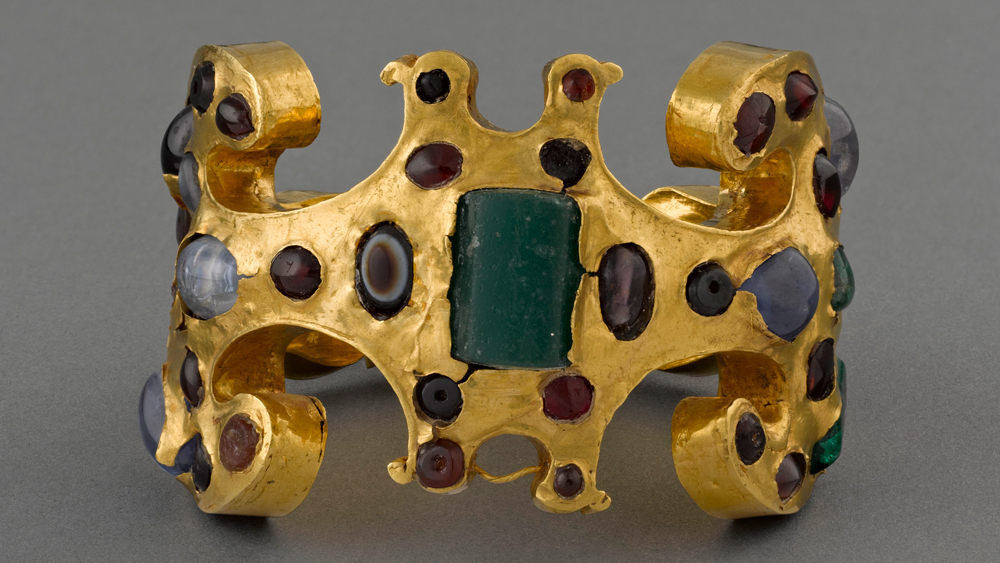 3rd Century Gold Bracelet Found at the Necropolis of Yahmur