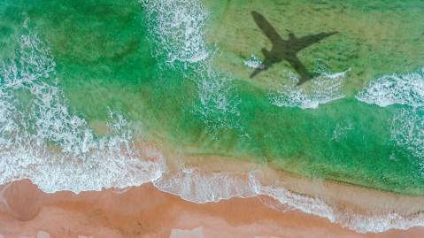 Plane ocean