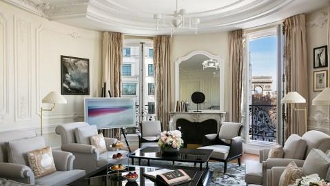 Hotel Barrière Le Fouquet's Paris Arc de Triomphe suite