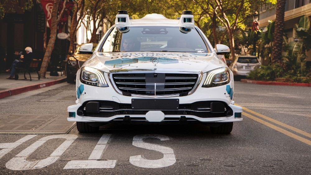One of Mercedes-Benz and Bosch's self-driving S-Class taxis