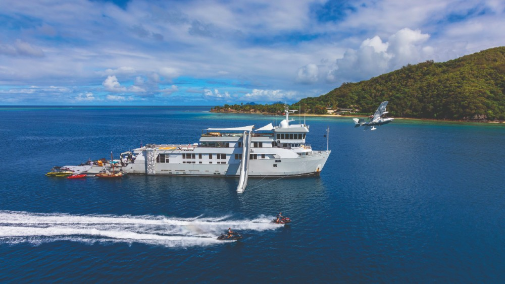 Superyacht expedition Cookson Adventures Pacific Ocean