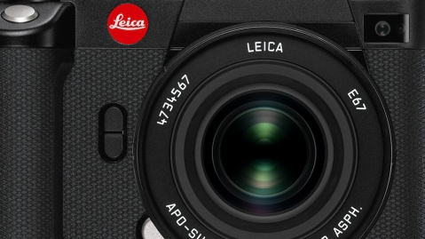 The Leica SL2.