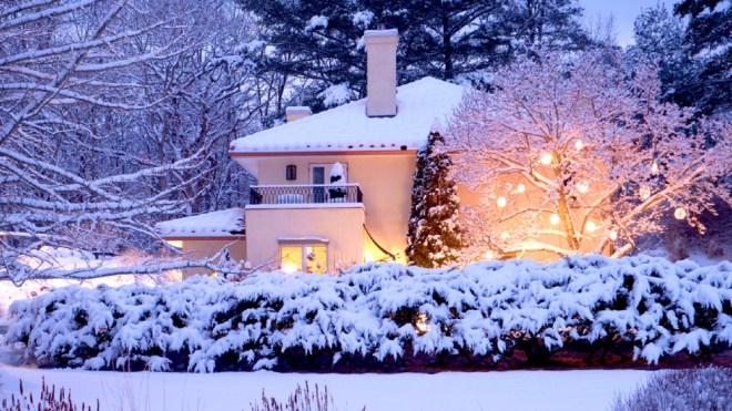 Villa at Saugerties snow winter getaway